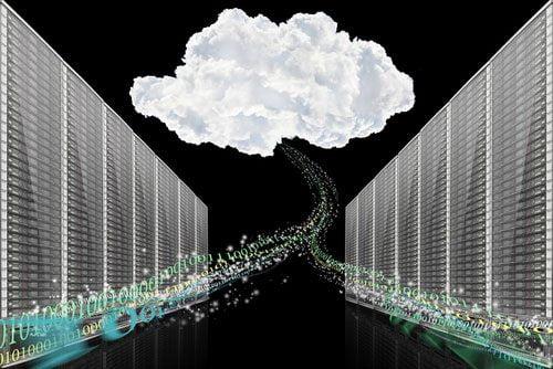 shutterstock_Niyazz_nuvem_datacenter