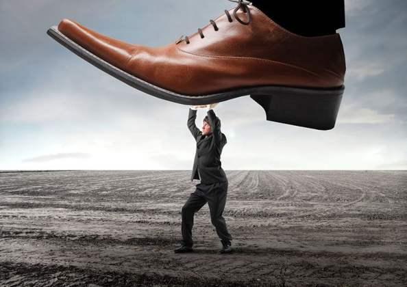 shutterstock_ollyy_imposto_regulacao_negocios_competicao_desempenho