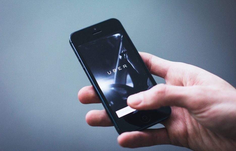 Golpe oferece desconto de R$ 100 no Uber para roubar dados de cartão de crédito