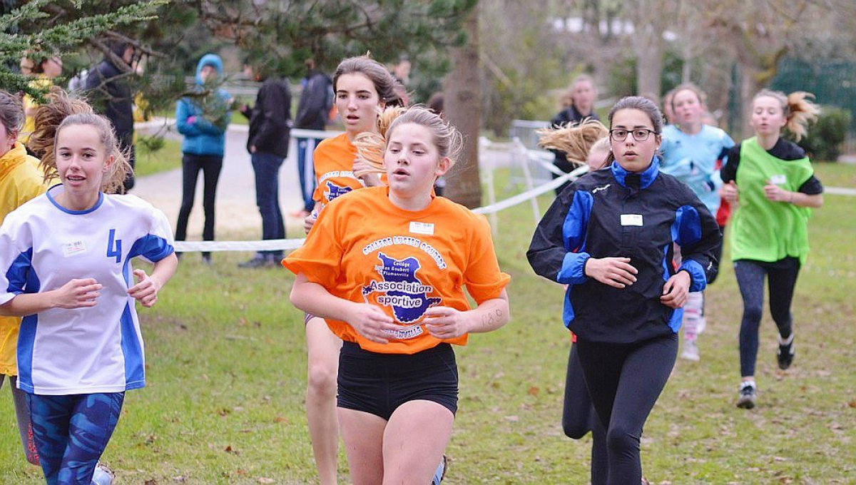 Sports Scolaires 1500 Eleves Normands Au Cross Regional