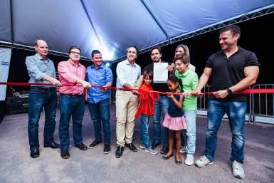 A faixa foi cortada pelo prefeito de Luís Eduardo Magalhães, Oziel Oliveira, ao lado dos responsáveis pelo empreendimento