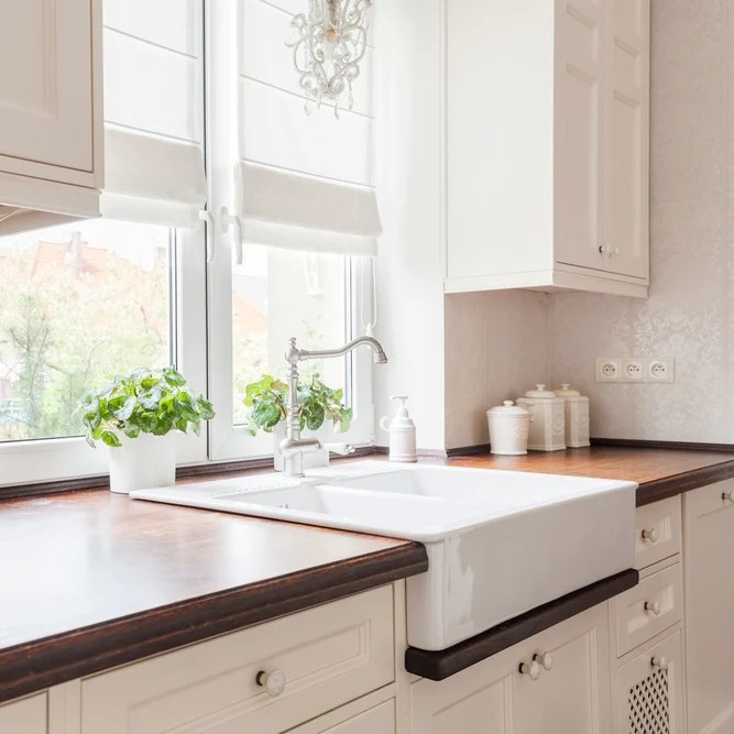 Kitchen Tile Backsplash Ideas With Cream Cabinets
