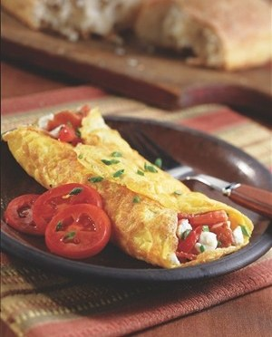 Resep Menu Sarapan: Double Tomato and Turkey Bacon Omelette