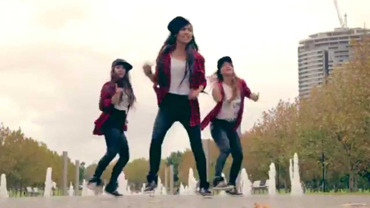 Jaalma Resham Filili Dance cover by The NEXT