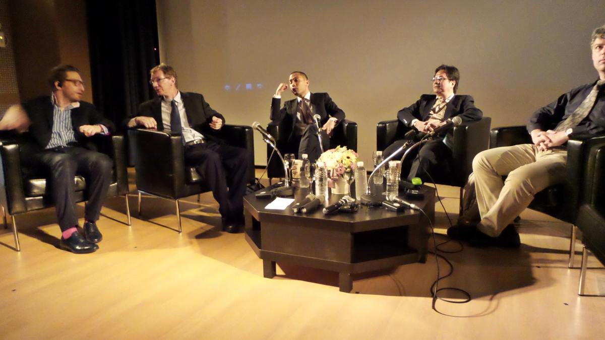 Thailand and Asean : issues and perspectives for 2015
