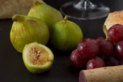 Wine, figs, cheese