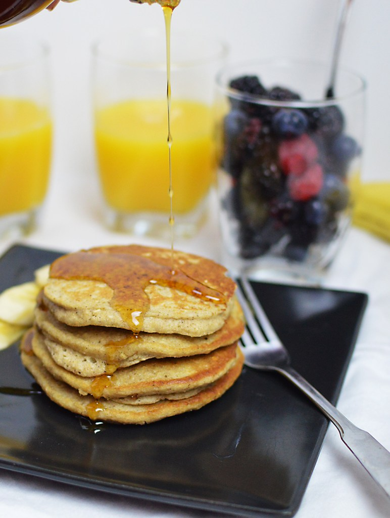 Gluten-Free Banana Oat Pancakes | That Square Plate