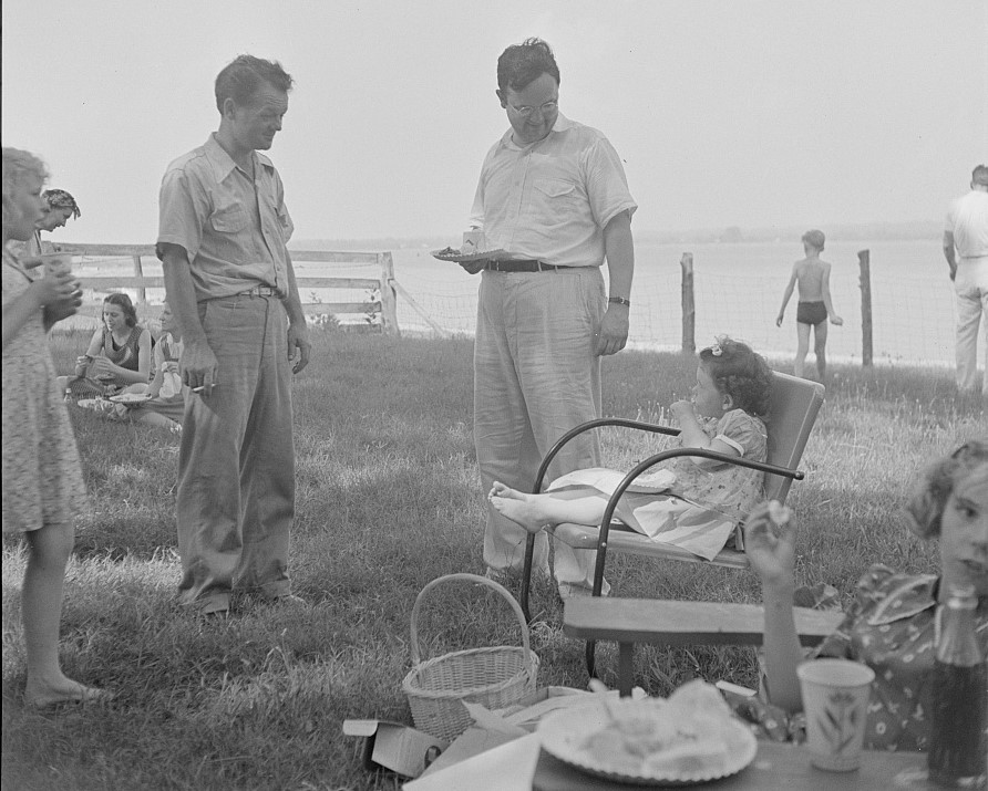 All Faith Church gathering by the Patuxent River on the Fourth of July 1942 photo by Marjory Collins
