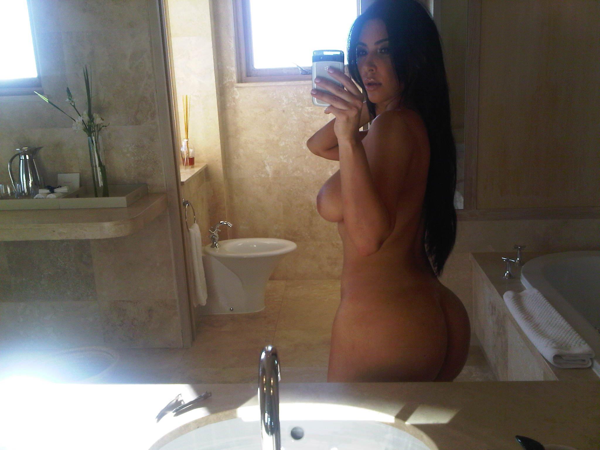 kardashian khloe bikini wax