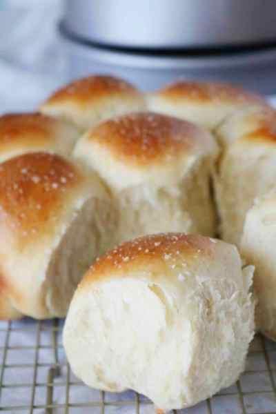 Easy Yeast Rolls | Best Dinner Roll Recipe for Beginners