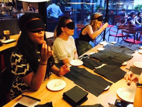 Food Blogger doing blind tasting