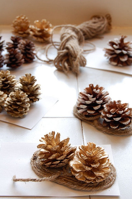 Pine Cone Bows2
