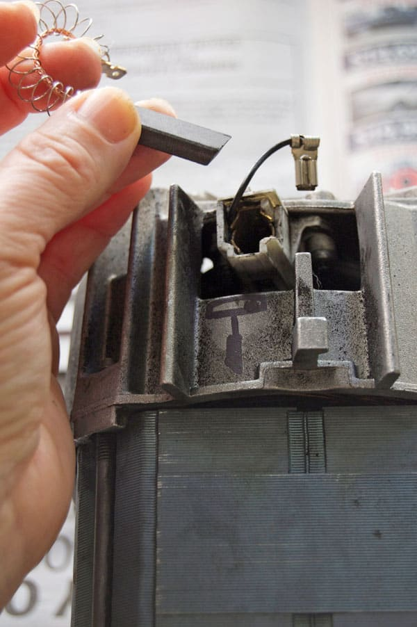 How to Replace Carbon Brushes on any motor The Art of Doing