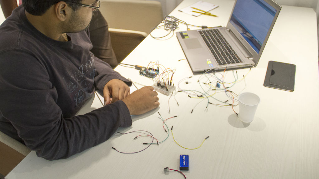 Workshop – Miniaturize a Smart Home Sensor – May 07, 2016