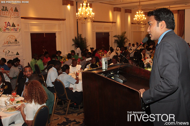 Young CEO addresses Bahamian youth \u2013 photos The Bahamas Investor - junior achievement bahamas
