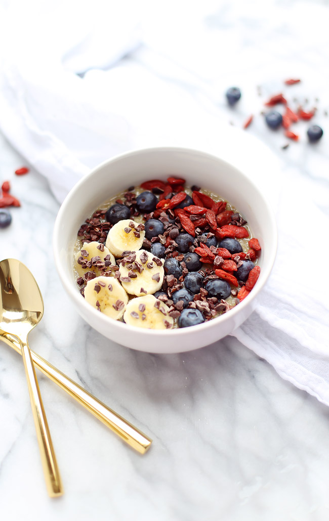These superfood-packed quinoa breakfast bowls are creamy, satisfying and bursting with nutrients!