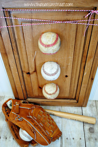 DIY Baseball Wall Decor at www.thebensonstreet.com