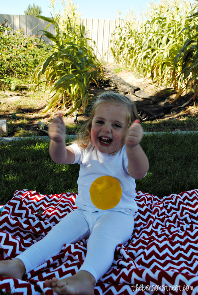 Easy Halloween Egg Costume at thebensonstreet.com
