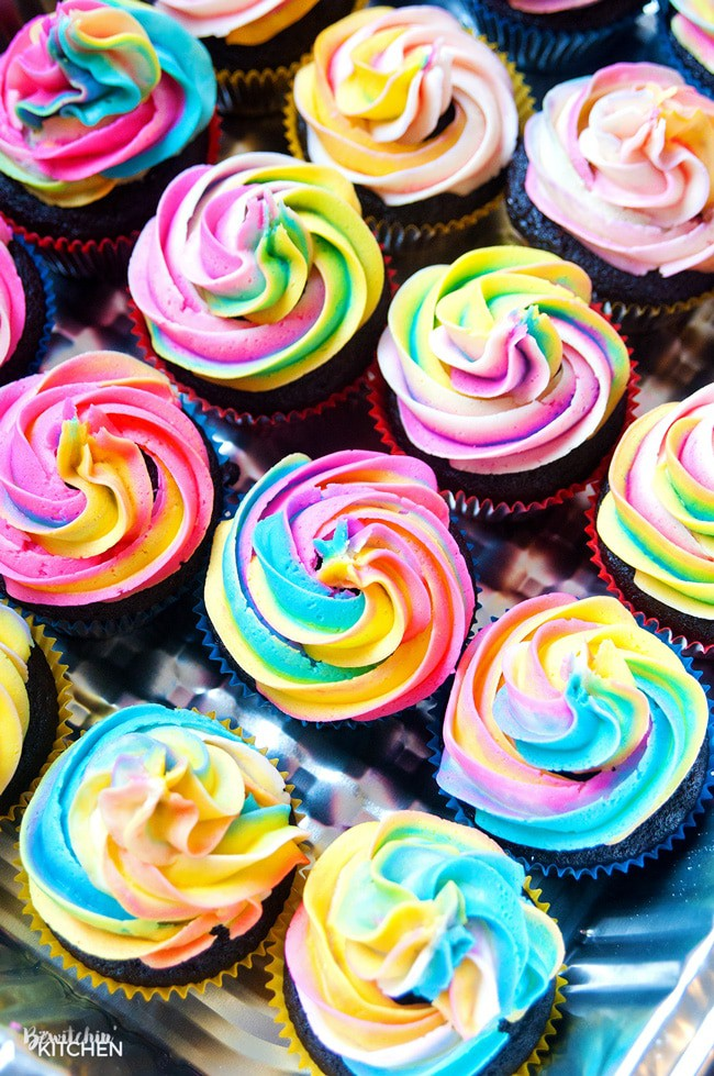 Rainbow Swirl Buttercream Frosting (with Video) The Bewitchin\u0027 Kitchen