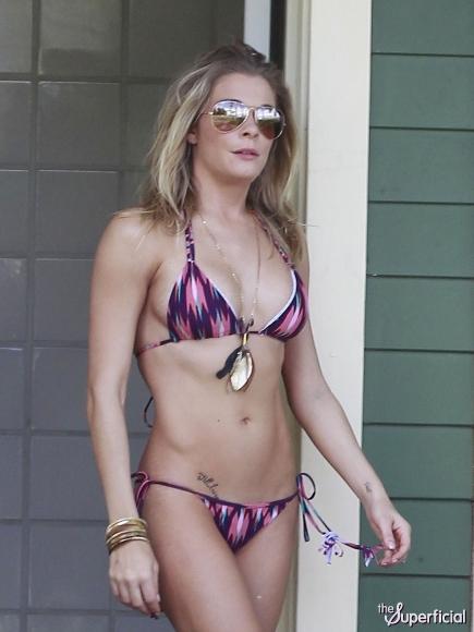 leann-rimes-bikini-Purple-String-Bikini