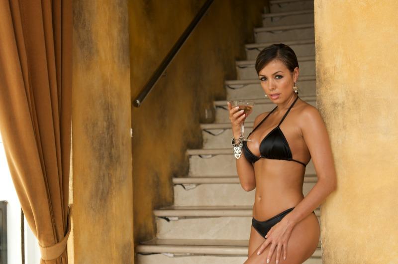 Black Scoop Colombian Bikini String Bikini Top