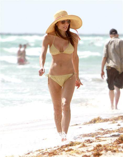 Bikini Bodies over 40 Bethenny Frankel age 41