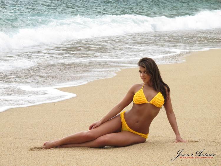 Bikinis For Women with Smaller Chests Yellow Ruffle Bikini
