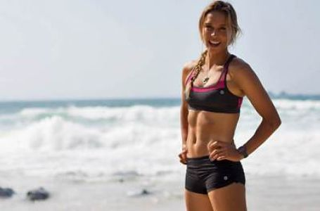 Sally FitzGibbons-Surfer-Girl-Toned-and-Ready-For-Action