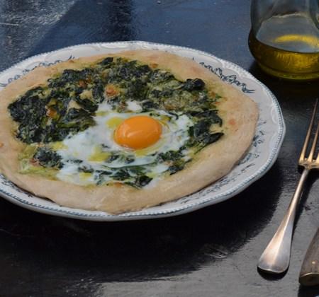 SpinachEggPizza1