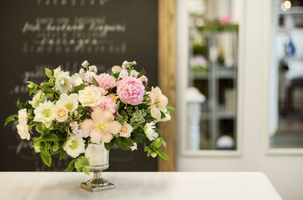 how_to_make_a_floral_centrepiece_10