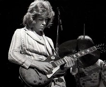 Mick-Taylor-playing-slide-1972