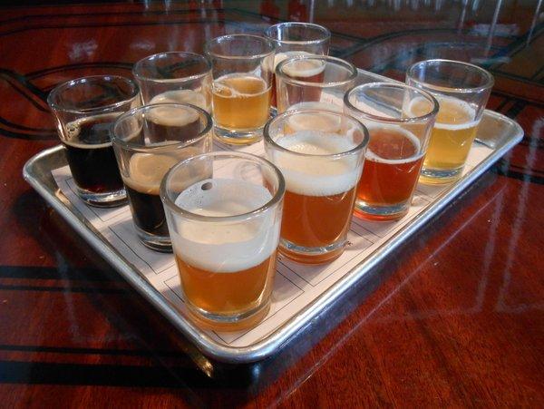 Laht Neppur sampler tray of beers