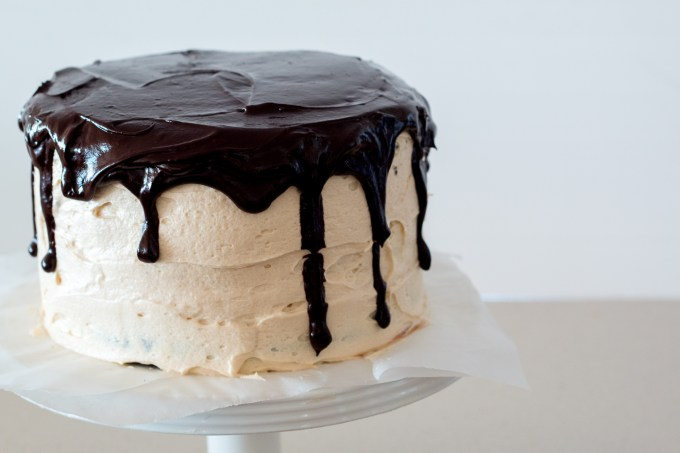Chocolate Caramel Popcorn Cake-8