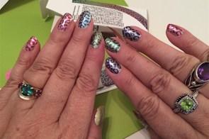 Easy nail art with nail polish strips