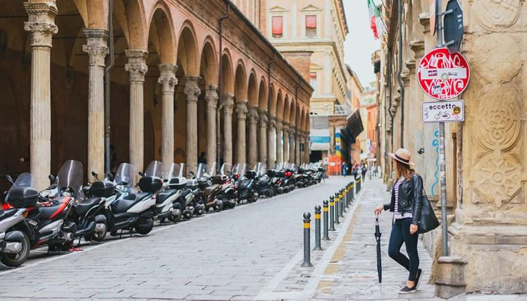 rach-bologna-street
