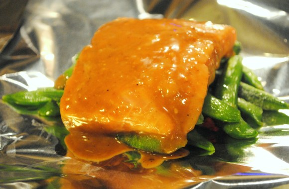 Easy Weeknight Meal: Foil Packet Salmon with Snap Peas