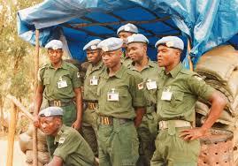 United Nations Rwandan crisis spectators.