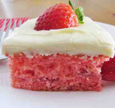 Fresh Strawberry Cake - The Country Cook