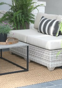 spray paint coffee table | Brokeasshome.com