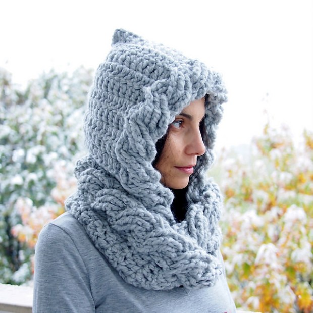 Cabled hood and loop circle scarf