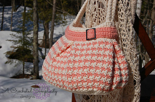 Houndstooth Handbag by A Crocheted Simplicity