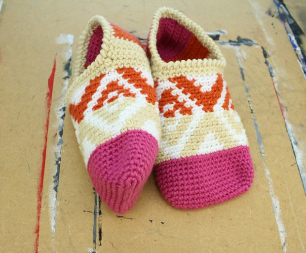 Xs and Os slippers by Divine Debris