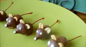 Cherry Chocolate Christmas Mice