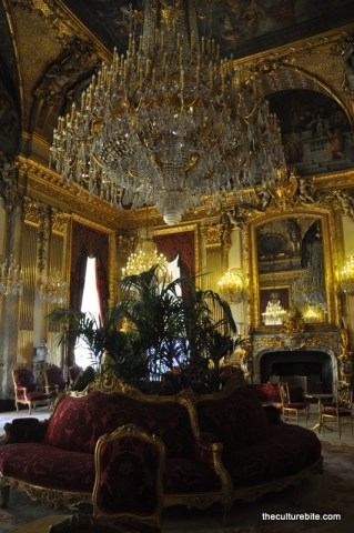 Paris Louvre Napoleon Apts