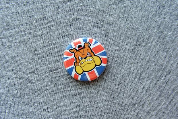 004_pin badge