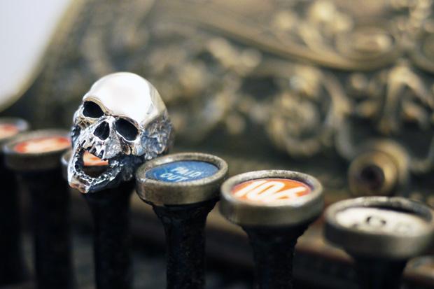crazy-pig-designs-skull-rings-2