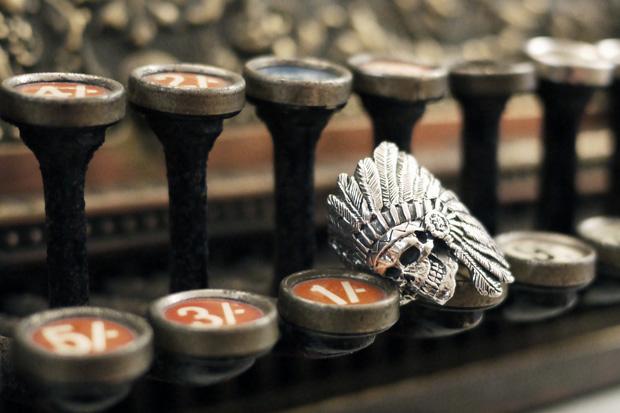 crazy-pig-designs-skull-rings-3