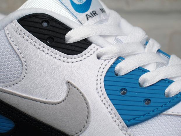Nike-Air-Max-90-Laser-Blue-02