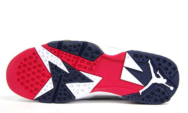 Air-Jordan-VII-Olympic-2012-Retro-01