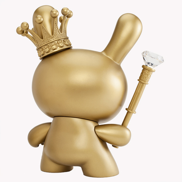 Kidrobot-8-Inch-Gold-King-Dunny-3